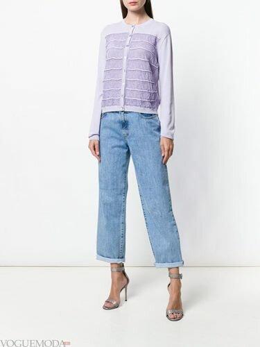 В модні тенденції входять вантажні моделі і довгі жакети в стилі оверсайз.  Стилісти рекомендують модницям з теплу погоду надягати довгі жилети без  рукавів. 9d5563980f00c